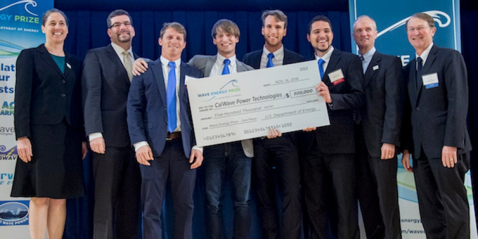 The CalWave Power Technologies team with their prize check