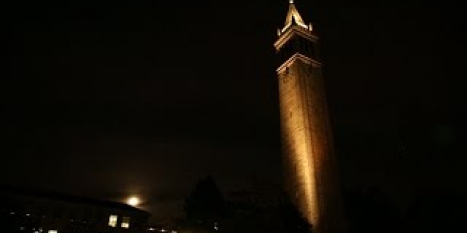 Thumbnail of video: UC Berkeley Campanile Light & Music Show (Full Length)